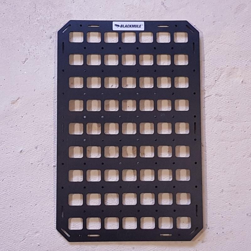 Несущая панель для кейса или дипломата (7х9 ячеек) 31x48см